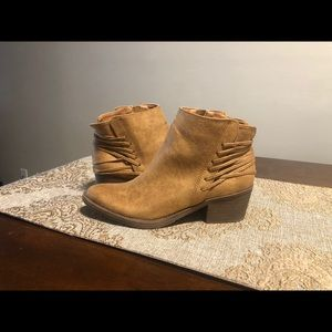 Volatile Women's Nagol Tan Casual Ankle Boot